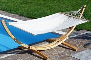 El fantástico juego de hamaca ASS con soporte incluido es ideal para colocar en el jardín, patio o terraza