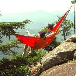Eskinado.con es tu tienda online donde puedes comprar tu hamaca portátil para acampadas y viajes
