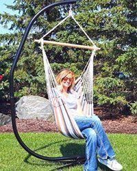 El soporte de silla hamaca Amanka 205 es una elegante estructura para colgar tu asiento colgante