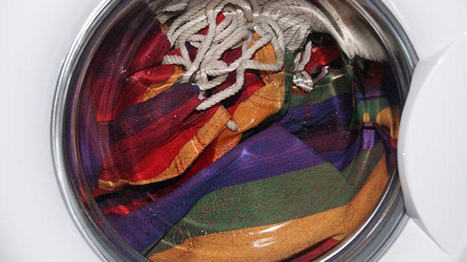 Silla colgante en la lavadora